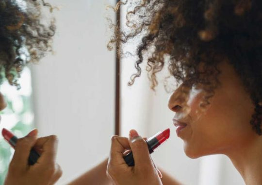 Assistance To Keep Lipstick From Drying Out And Tips To Make Lipstick Stay On Longer